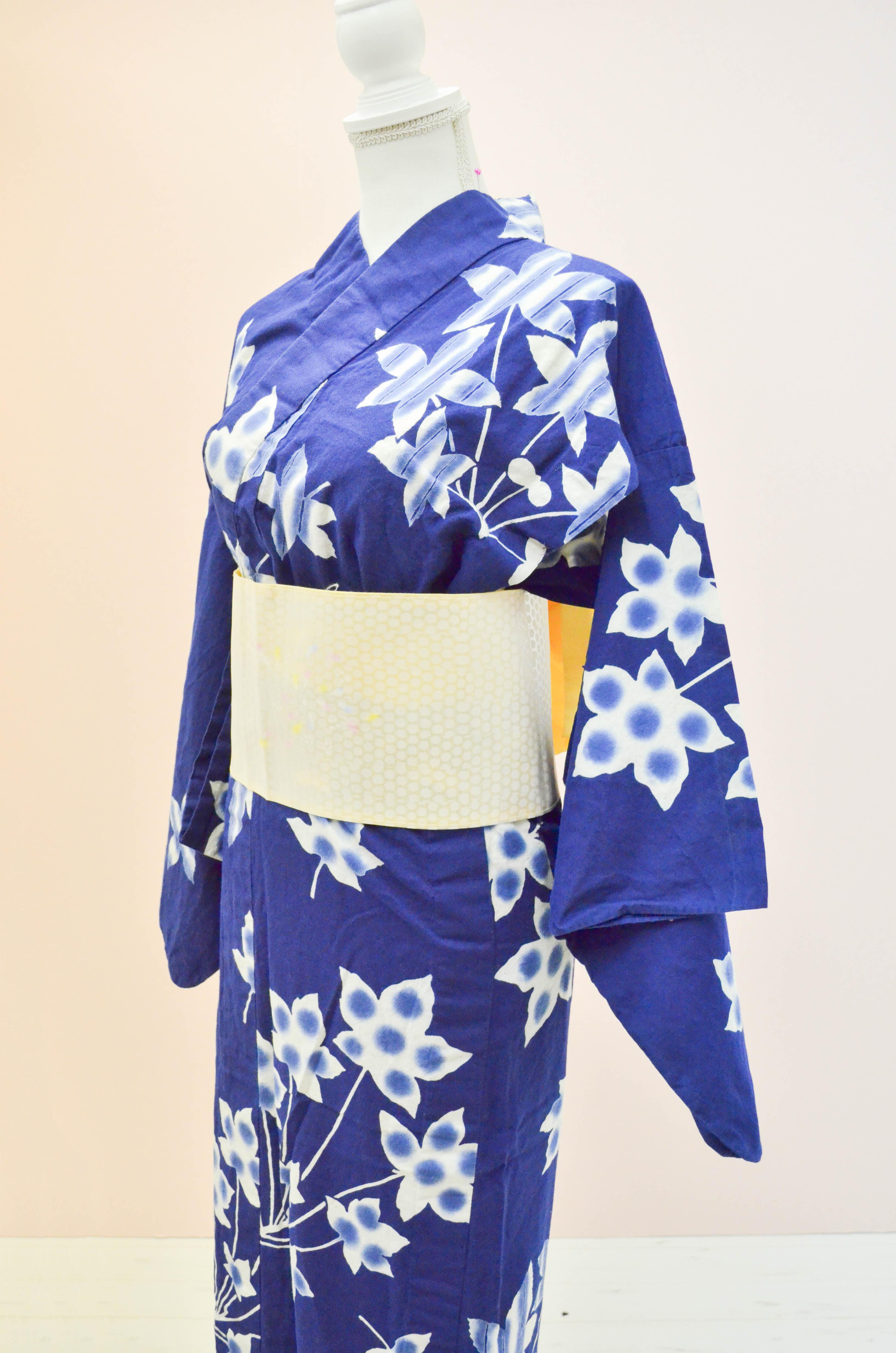 【レンタル期間:単日OK】品番:浴衣:青地桔梗柄(6月1日〜9月30日)は割増価格になります